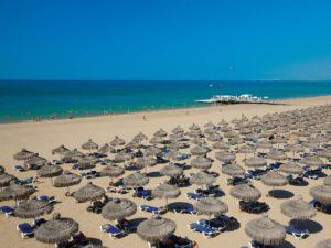 пляж на курорте белек