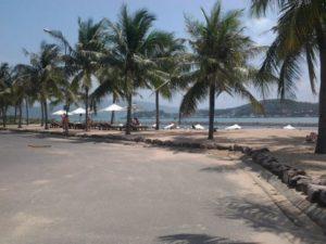 набережная на пляже парагон