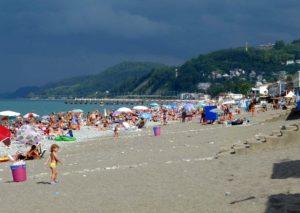центральный пляж в лоо