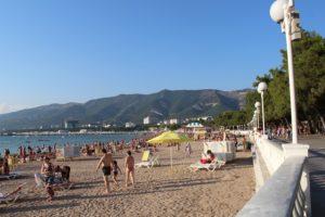 песчаный пляж в лазаревском