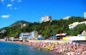 пляж в городе курорте алушта