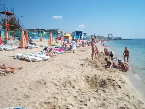 пляж на курорте феодосия