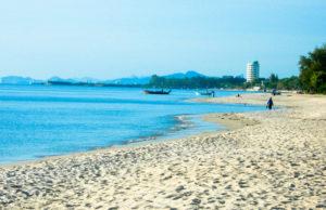 пляж кресент бич в паттайе