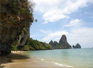 пляж тонсай в краби