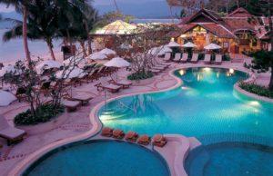 отель на пляже чавенг
