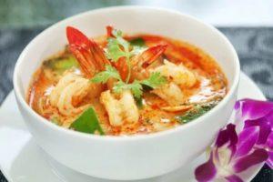суп том ям в тайланде