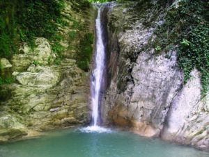 водопад на реке дедеркой в туапсе