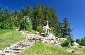 скульптура олени в белокурихе