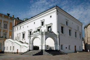 гранатовитая палата в московском кремле
