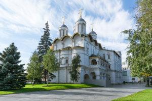 патриарший собор и церковь двенадцати апостолов