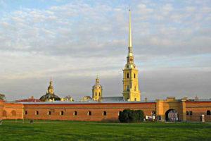 петропавловская крепость в санкт - петербурге