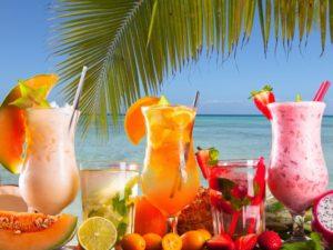 фрукты на пляже